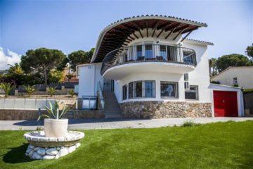 Villa 4 Dormitorios, Montgoda, Lloret de Mar